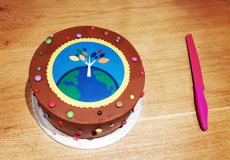 speaker-diversity-graduation-cake